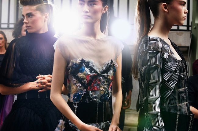 chanel-fall-winter-2013-14-haute-couture-backstage-by-benoit-peverelli-08