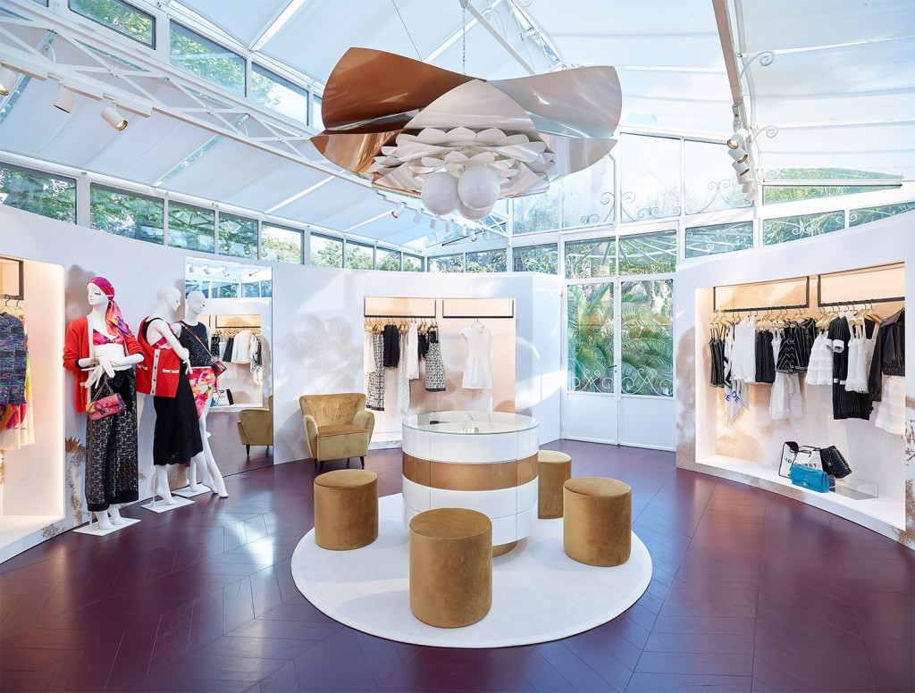 04---CHANEL-Saint-Tropez-ephemeral-boutique---2015---pictures-by-Olivier-Saillant_LD