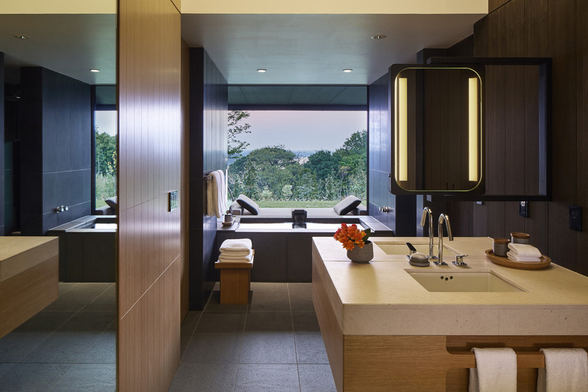 RS2893_Amanemu - Suite bathroom -scr