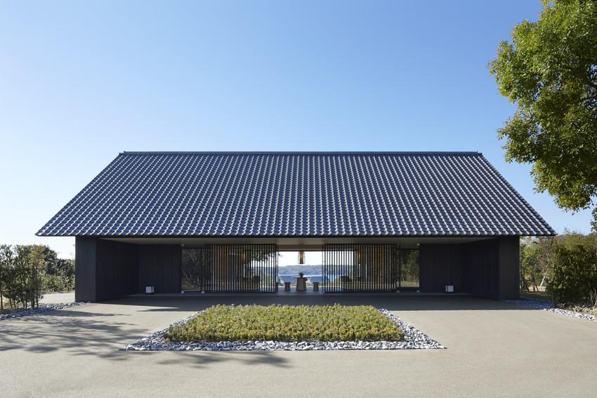 RS2986_Amanemu - Entrance Pavilion -scr