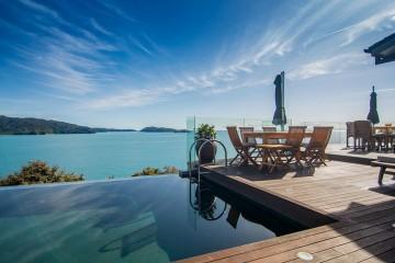 Luxury Accommodation New Zealand split Apple retreat Infinity Pool