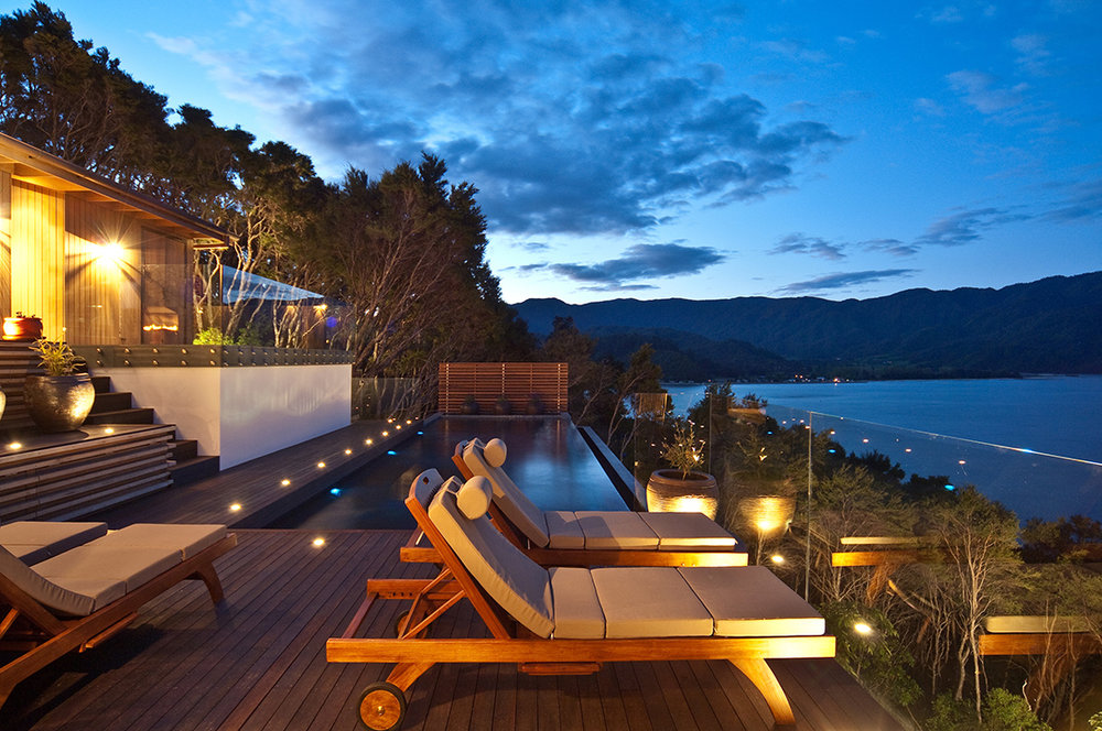 A quiet Abel Tasman National Park luxury accommodation retreat and wellness spa hideaway, built high above Tasman Bay, offers both every indulgence as well as the additional promise of exceptional good health.